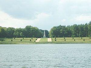Rheinsberg - Image: Rheinsbergehrendenkm al 1
