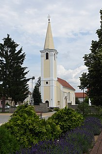 Roman Catholic Church in Bő 02.jpg