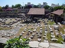 Ruines du mausolée d'Halicarnasse, l'une des sept merveilles du monde antique.jpg