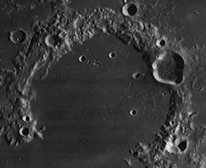 Russell (lunar crater) - Image: Russell crater 4174 h 3