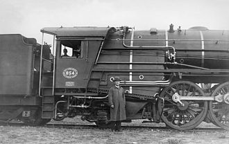South African Class 16E 4-6-2 - A.G. Watson with his Class 16E, c. 1935
