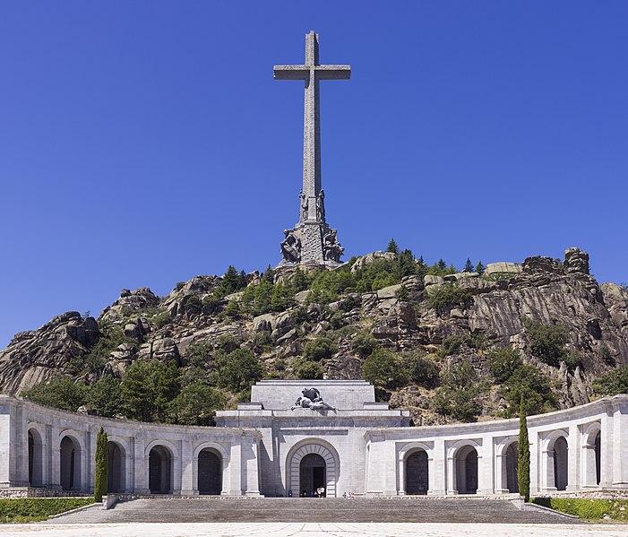 File:SPA-2014-San Lorenzo de El Escorial-Valley of the Fallen (Valle de los Caídos).jpg