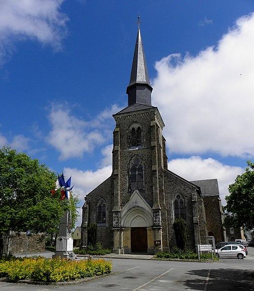 Église Saint-Hilaire de Saint-Hilaire-du-Maine (53). Façade occidentale.