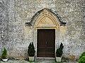 Saint-Léon-sur-Vézère cimetière chapelle portail.jpg