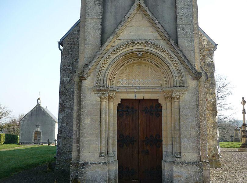 Portail ouest de l'église Saint Vaast de Saint-Vaast-sur-Seulles (Calvados)
