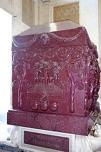Sarcofago di Costantina - lato corto.jpg