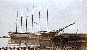 Wyoming (schooner) - Image: Schooner Wyoming, 1917