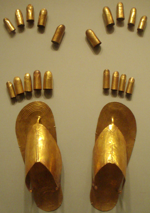 Menhet, Menwi and Merti - Image: Sheet Gold Feet And Finger Coverings From Tomb Of 3Minor Wives Of Thutmose III Metropolitan Museum Of Art
