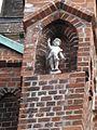 Skulptur2FassadeMarienHL.JPG