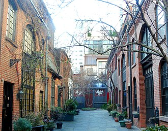 Harriet Whitney Frishmuth - Sniffen Court, New York City