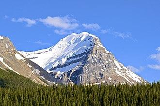 Mount Victoria (Bow Range) - Image: Snow Capped Rocky panoramio