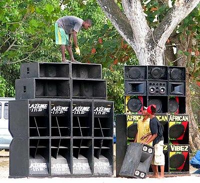 Bon système Sound System Design Hommes T SHIRT DJ Festival Rave Rig PA Decks