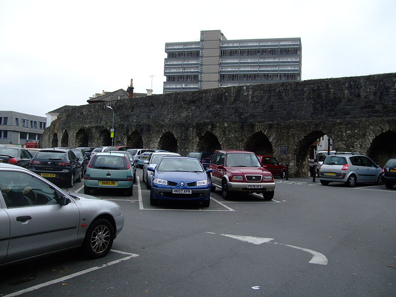 File:Southampton Castle Wall alongside Castle Lane.jpg