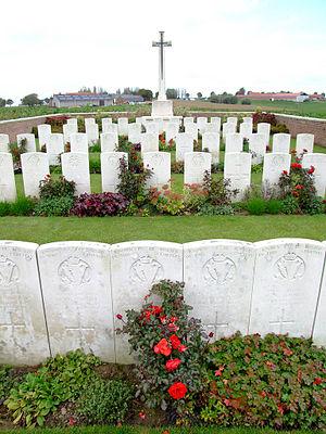 Spanbroekmolen British Cemetery - Graves in Spanbroekmolen British cemetery
