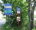 Středokluky, Rozcestí Černovičky, zastávka.jpg