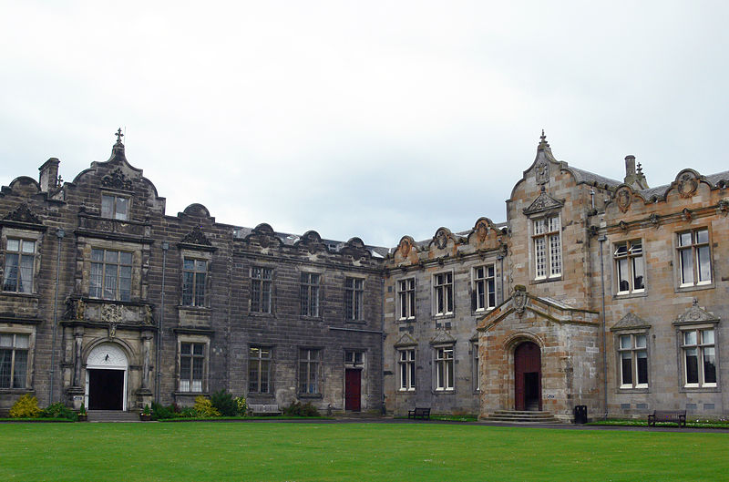 St Andrews - St Salvator%27s Quad - East and North Aisle.JPG