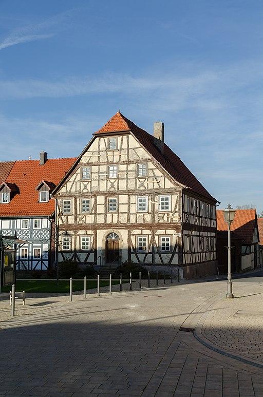 512px-Stadtlauringen%2C_Marktplatz_16-001.jpg