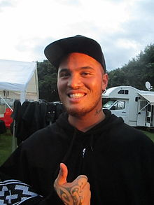 Stan Walker in Raglan, New Zealand 46.JPG