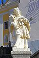 Statue Johannes Nepomuk bei der Pfarrkirche Groß-Siegharts 2015-10.jpg