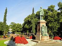 Statue of Johan Ludvig Runeberg in Helsinki - DSC03903.JPG