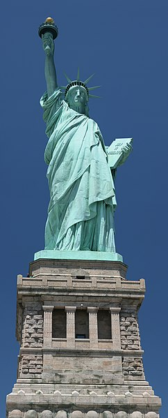 Fichier:Statue of Liberty frontal 2.jpg