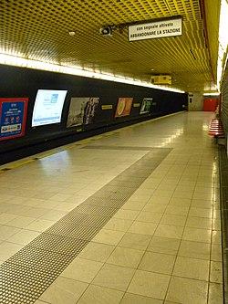 Category:Montenapoleone station (Milan metro) - Wikimedia ...