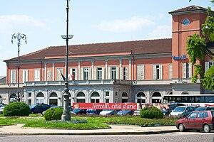 Vercelli railway station - The passenger building.