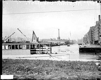 Streeterville - Houseboat of Mrs. George Wellington Streeter docked on Lake Michigan (1922)