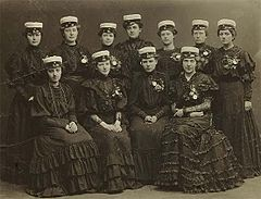 Swedish female students at graduation 1900.jpg