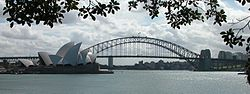 Sydney Harbour Bridge and Opera House.jpg