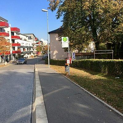 Tübingen-Königsberger-Straße-Bushaltestelle-2.jpg