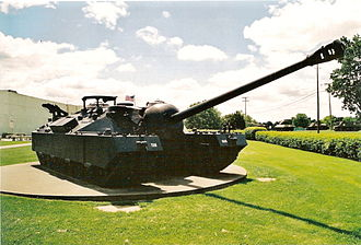T28 Super Heavy Tank - Front three-quarter view of the 105 mm Gun Motor Carriage T95 at the Patton Museum