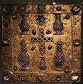 Tavoletta reliquiario di santa caterina, in rame dorato, cristallo di rocca e gemme, xiv secolo 01.jpg