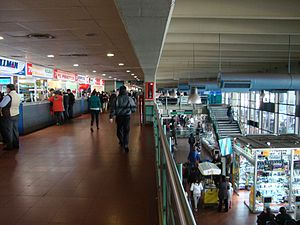 Retiro bus station - Main hall and concession stands