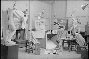 Kent Institute of Art & Design - Students work at the Sydney Cooper School of Art in 1941