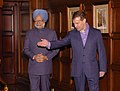 The Prime Minister, Dr. Manmohan Singh being received by the President of the Russian Federation, Mr. Dmitry Anatolyevich Medvedev at the dinner hosted by him, in Moscow, Russia on December 06, 2009 (1).jpg