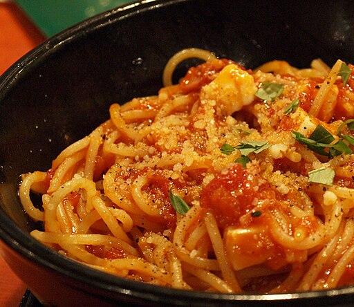 Tomato souse pasta