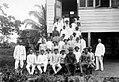 Tropenmuseum Royal Tropical Institute Objectnumber 10030390 Groepsfoto van jonge boeren in pak ti.jpg