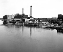 Turk's boatyard and Kingston Power Station, River Thames - geograph.org.uk - 615873.jpg