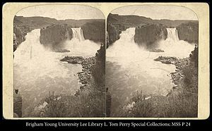 Twin Falls (Idaho) - Stereograph of Twin Falls (ca. 1868-71), prior to the construction of the Twin Falls Dam