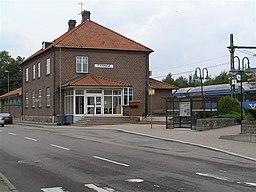 Jernbanestationen og biblioteket