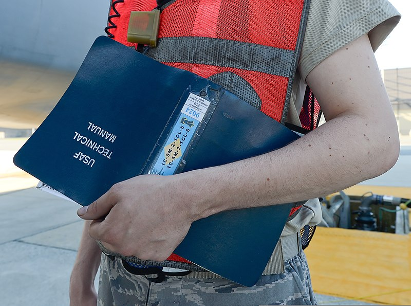 file u s air force senior airman justin williford a c 5 galaxy rh commons wikimedia org air force technical manual for mc 6 parachute air force technical manuals 00-5-15