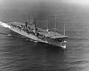 USS Wright (CC-2) underway on 25 September 1963 (NH 97622).jpg