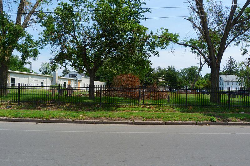 File:Union Street Cemetery, West Springfield MA.jpg