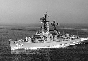 The USS Hull underway off the coast of Southern California, 21 October 1971.