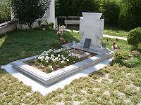 Vanga's-Grave-Rupite.JPG