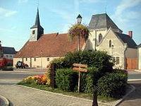 Varennes-Changy - Place de l'église.jpg