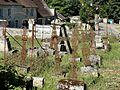 Vauciennes (60), cimetière de Chavres 2.jpg