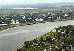 Velikiy Ustyug and Sukhona River.jpg