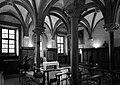Vercelli, sant'andrea, chiostro, sala capitolare 05.jpg